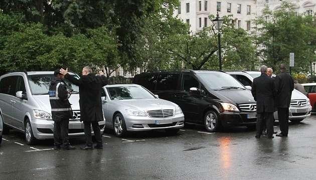В Лондоне парковщик выписал штраф Хиллари Клинтон