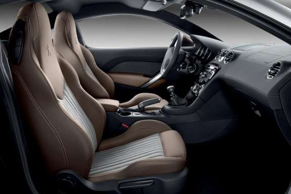 Peugeot RCZ Brownstone inside