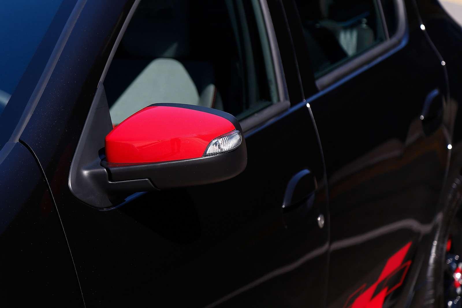 В нем гонок дух: Renault Sandero RSстал еще соблазнительнее— фото 751821