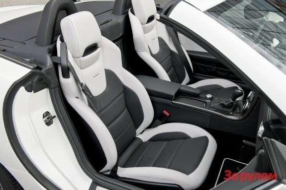 Mercedes-Benz SLK 55AMG inside 2