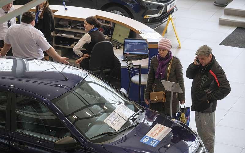 Чиновники считают, что в России очень дешевые автомобили