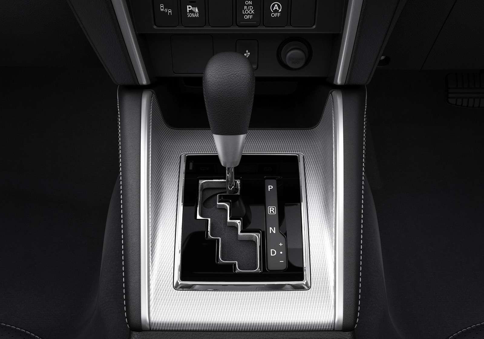 Новый или обновленный? Пикап Mitsubishi L200в деталях— фото 921998