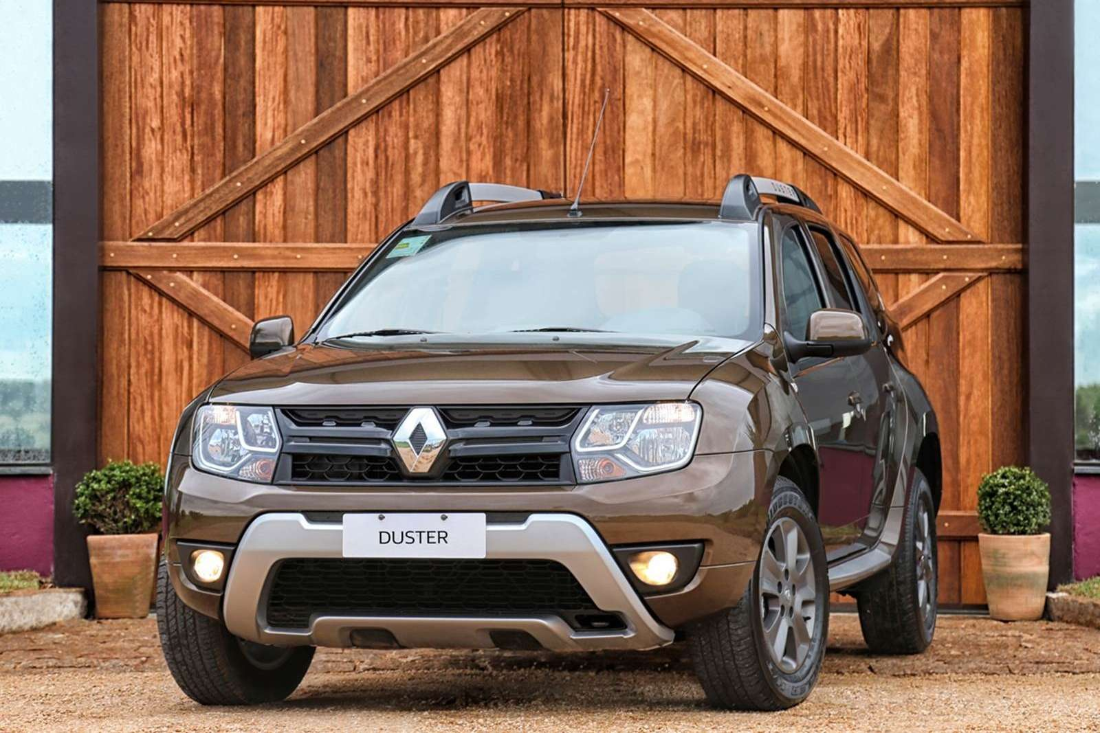 2016-renault-duster-launched-with-new-look-better-economy-in-brazil-photo-gallery_6
