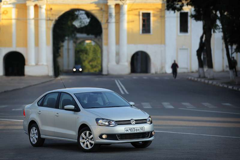 Volkswagen_Polo_Sedan