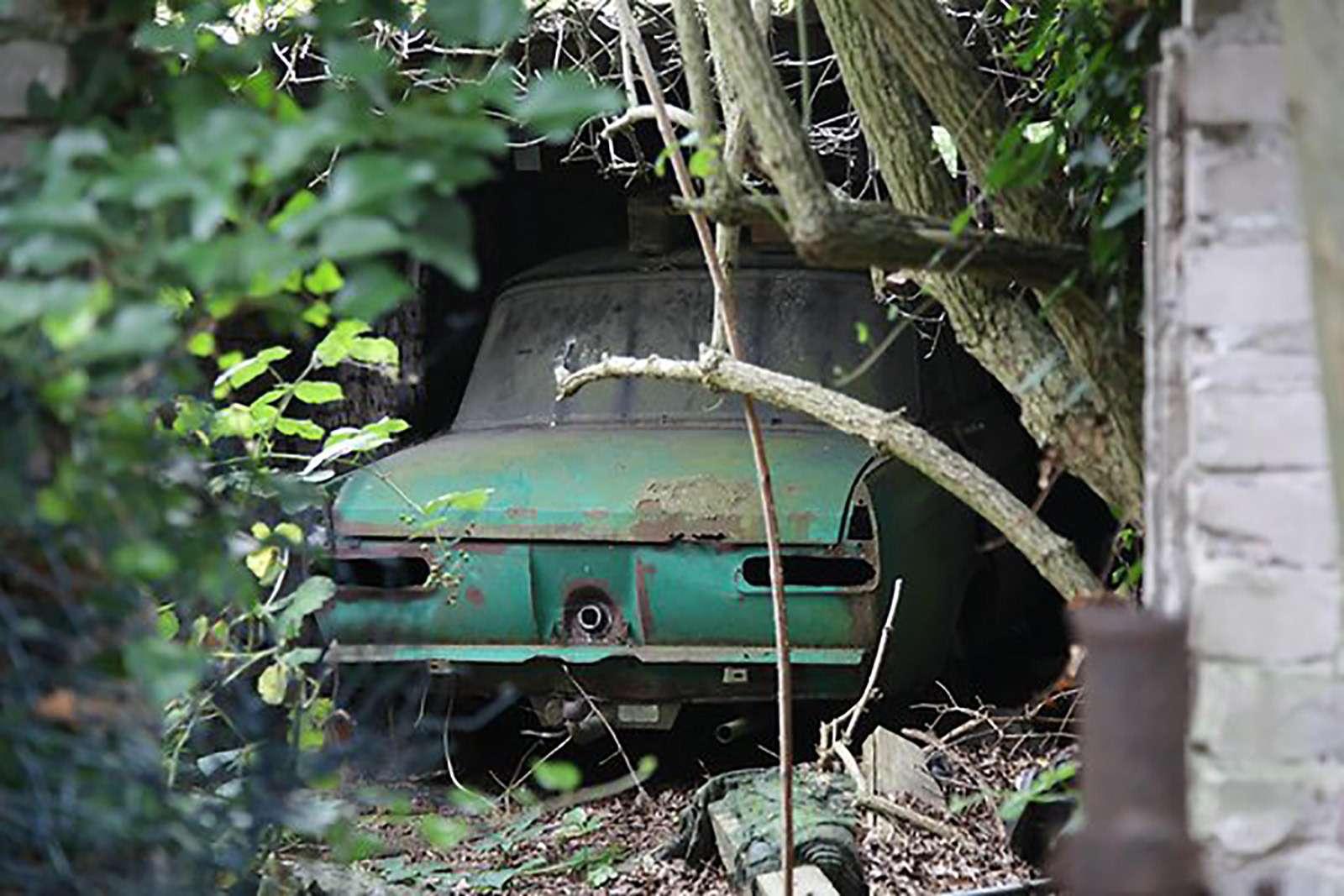 В Берлине нашли заброшенный автосервис сМосквичами— фото 779029
