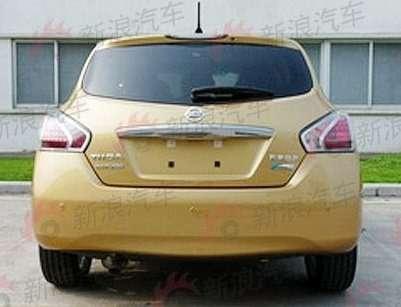 Nissan Tiida new_02_no_copyright