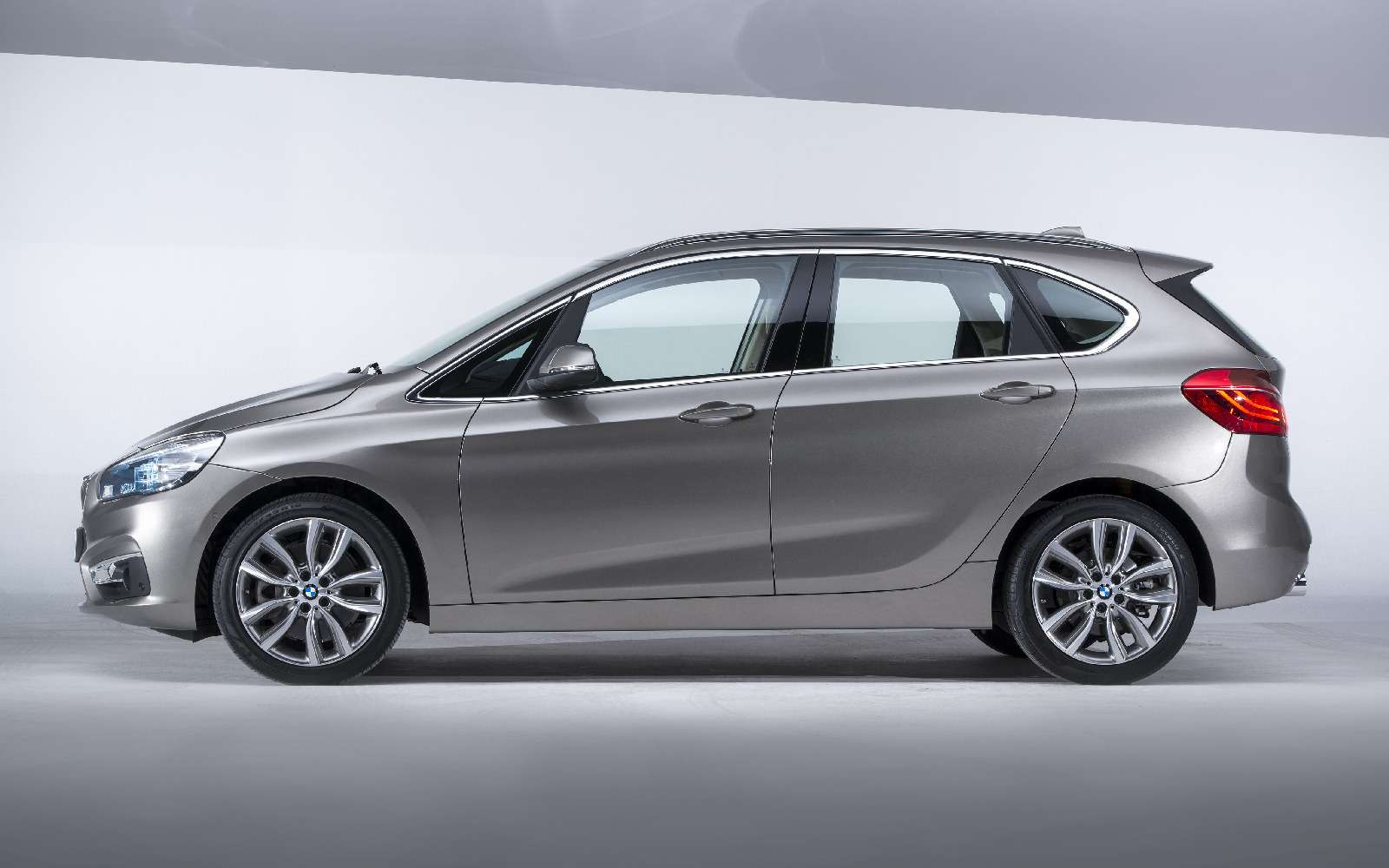 BMW2-й серии Active Tourer: объявлены рублевые цены— фото 722799
