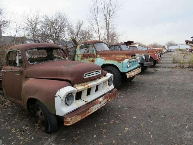 Бывший дальнобойщик решил продать свою коллекцию из700 машин— фото 702183