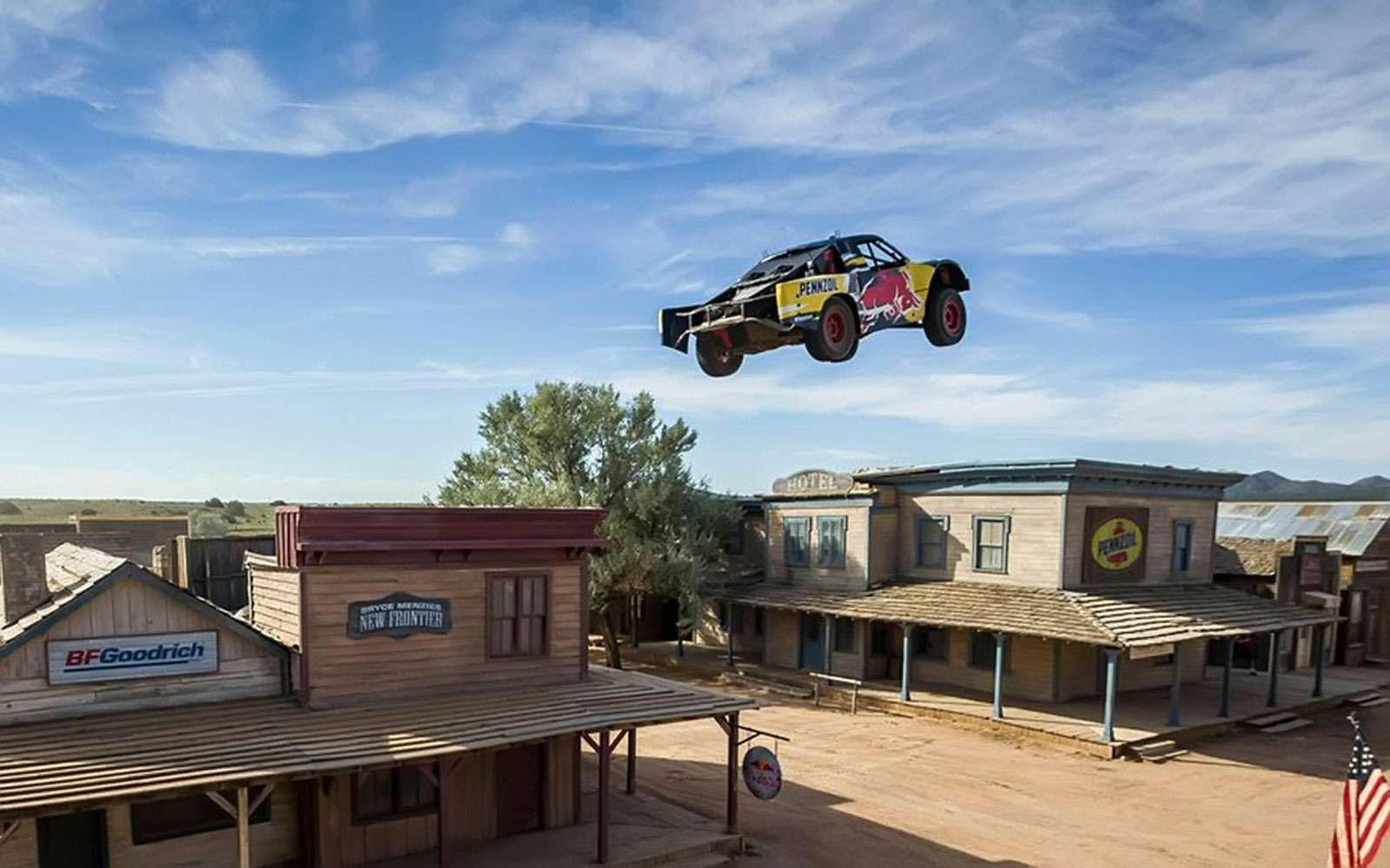 Самый длинный прыжок наавтомобиле
