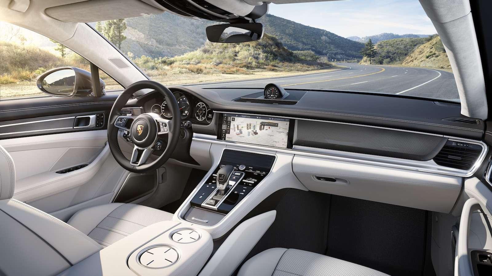 Новую Porsche Panamera показали российским СМИ— фото 630867