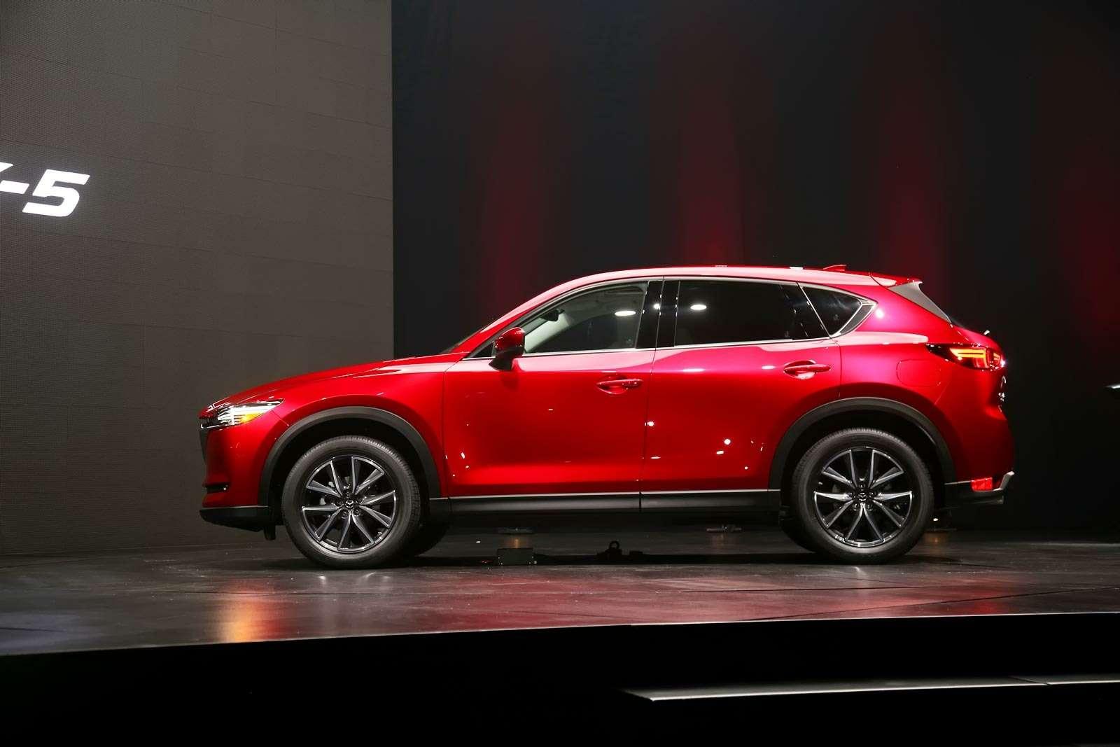Глубокий блеск: Mazda представила новый кроссовер CX-5— фото 664472