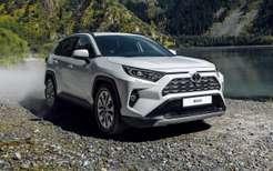 Toyota готовит обновленные Fortuner иHilux кпродажам вРоссии