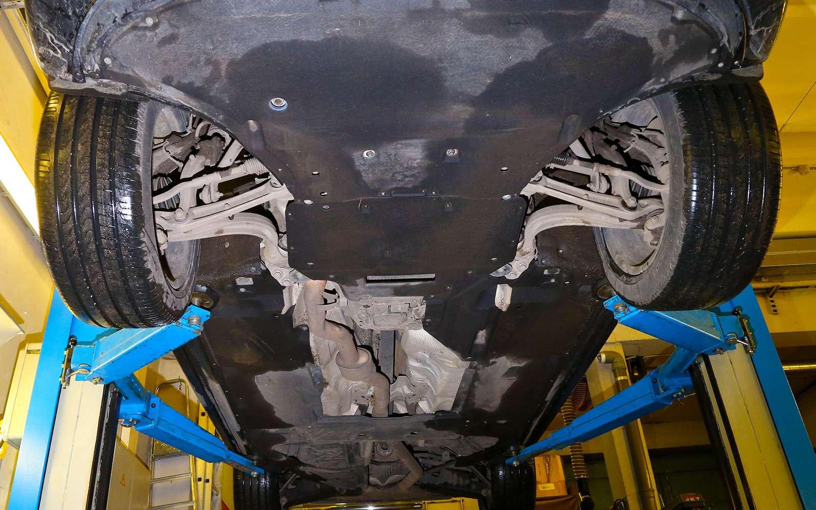 Новый Land Rover Discovery против конкурентов— тест ЗР— фото 784675