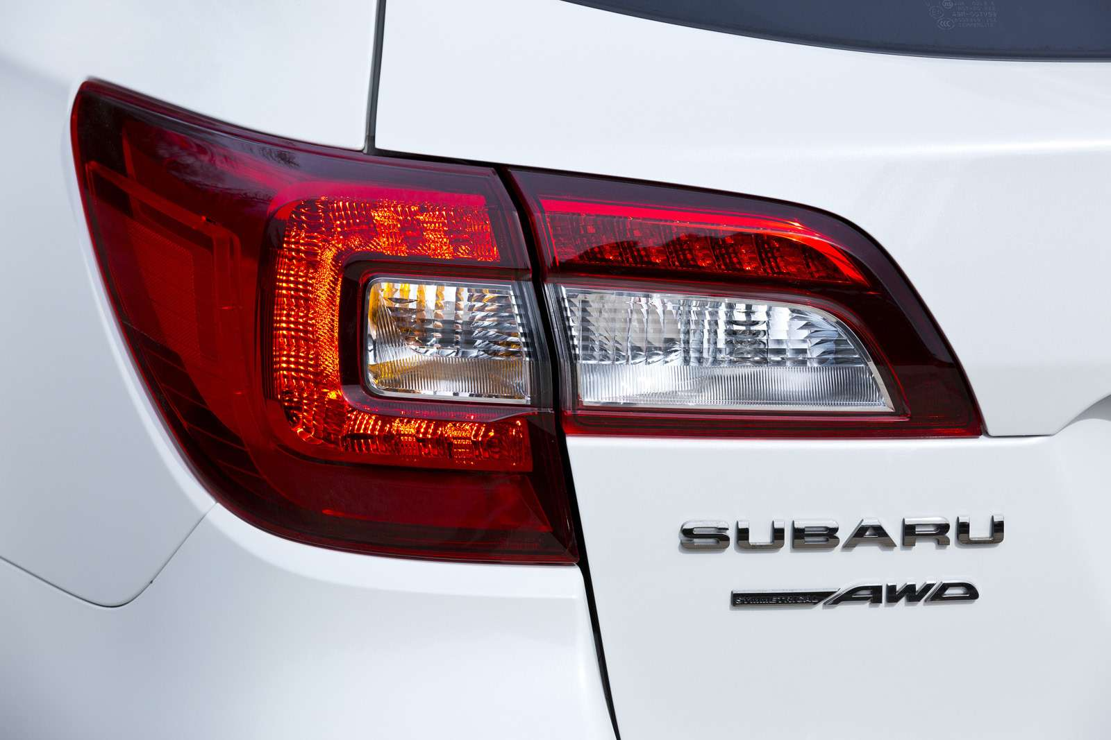 outback_2015_gallery_the_exterior_of_2015_subaru_o_59599