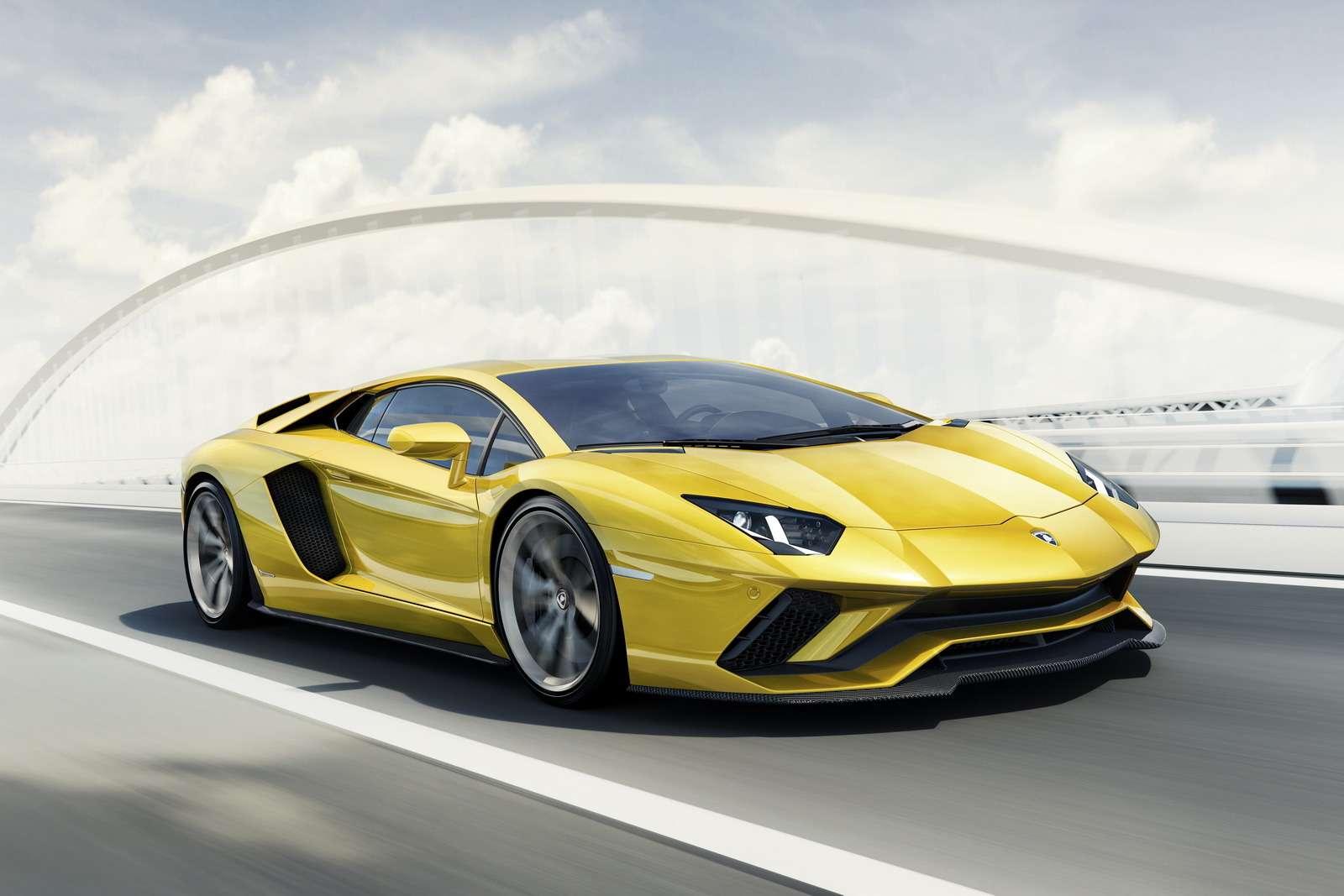 Полное управление: Lamborghini представила Aventador S— фото 681032