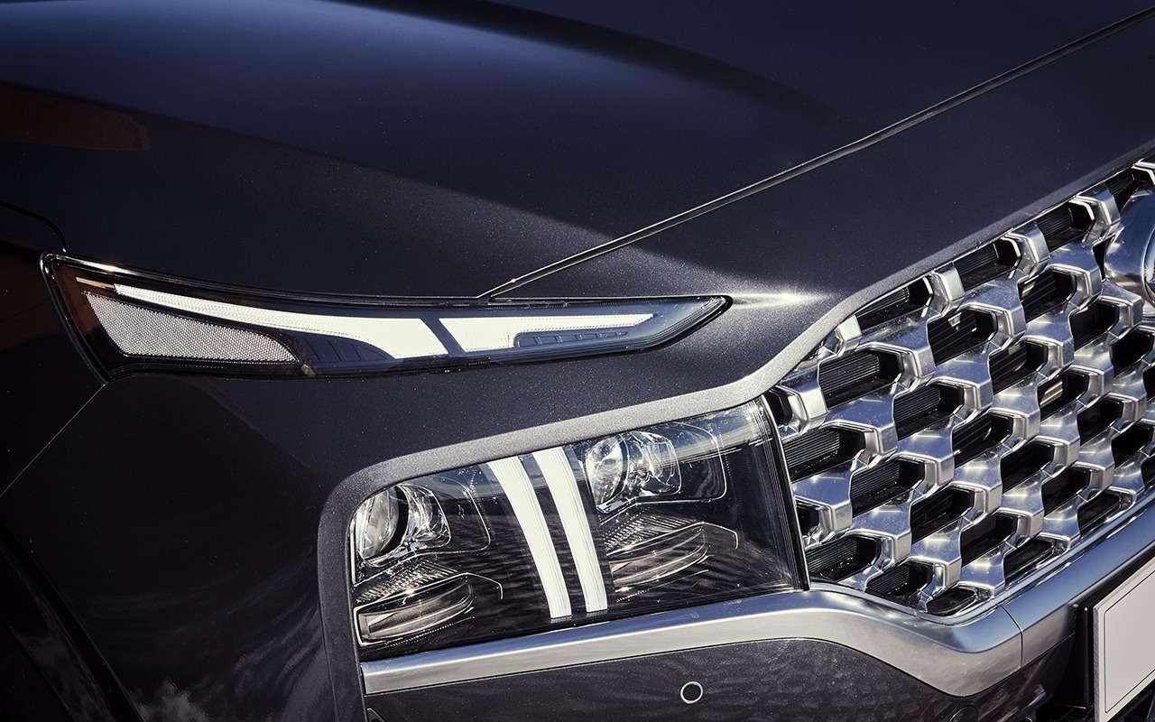 Hyundai Santa Fe2021: онпаркуется скнопки! Идетей баюкает!— фото 1227612