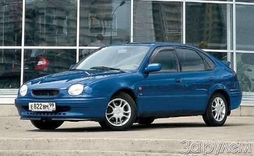 Toyota_Corolla_02_no_copyright