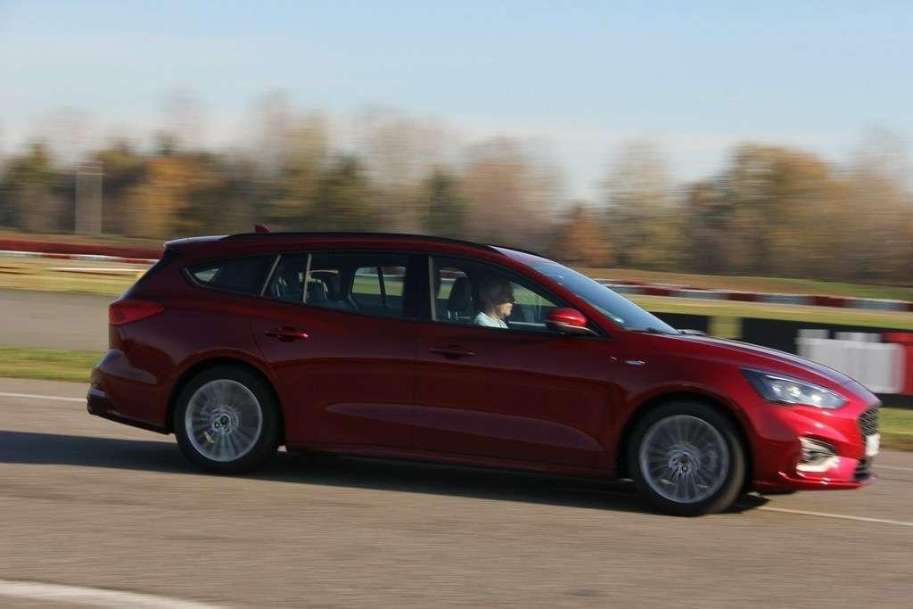Ford Focus 2019: первый тест-драйв— фото 940620
