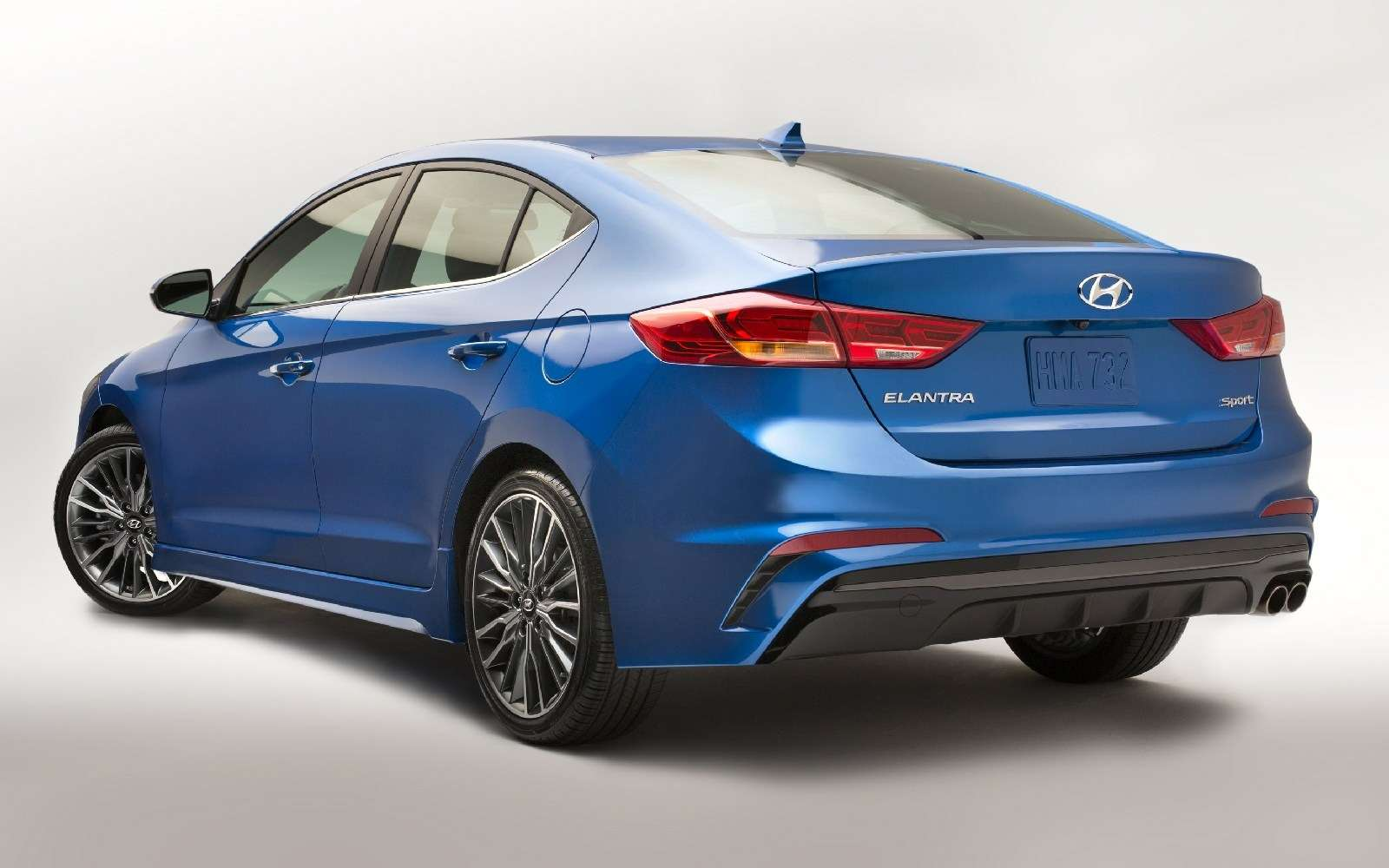Hyundai Elantra Sport: принимай, Америка, мультилинк!— фото 607932