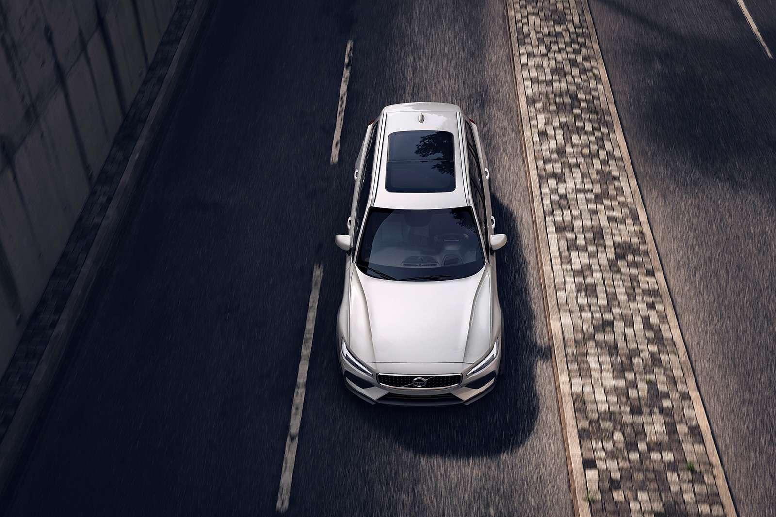 Volvo V60 Cross Country: еще один кросс-универсал. Ждем вРоссии!— фото 908316
