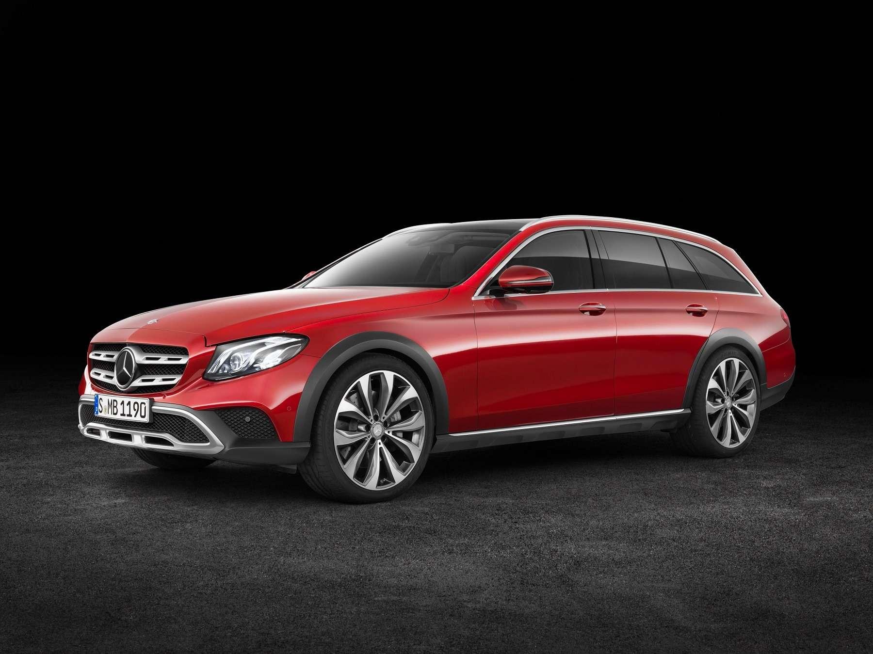 В Париж нацыпочках: Mercedes-Benz представил универсал All-Terrain— фото 637445