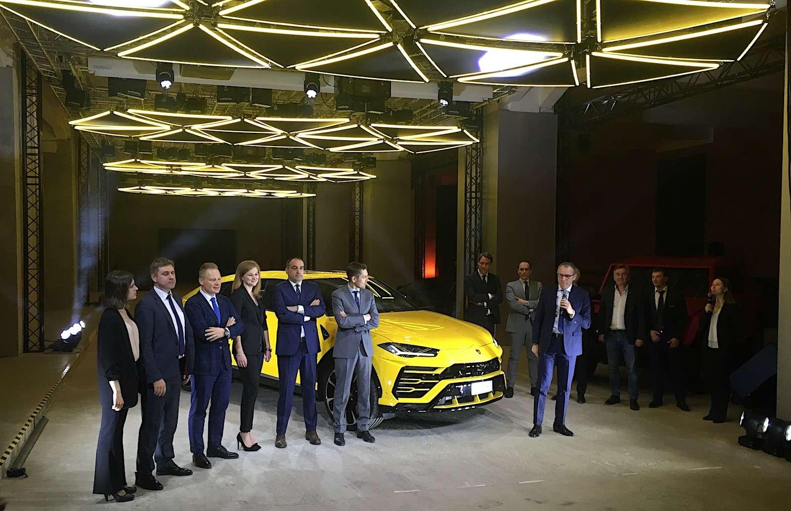 Lamborghini привезла вРоссию автомобиль, который небоится «лежачих полицейских»— фото 845489