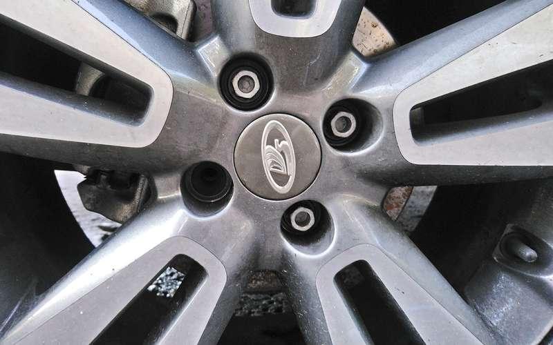 Lada Vesta SWCross: внезапный масложор ипотерянный болт