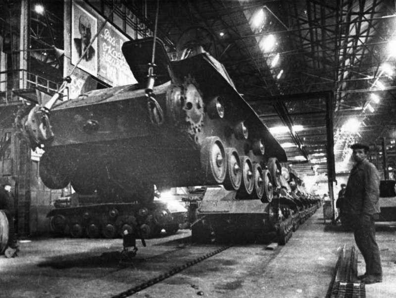 Производство танков Т-70на Горьковском автозаводе, 1943год