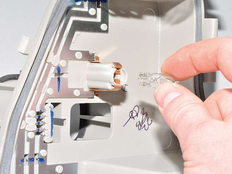 Замена лампы габаритного фонаря поло седан Замена рычага переключателя стеклоочистителя форд фокус 3