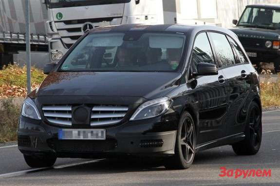 Mercedes-Benz B-class test prototype side-front view_no_copyright