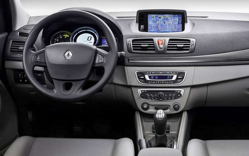 Renault Megane: 3достоинства, 2недостатка иодна явная слабость