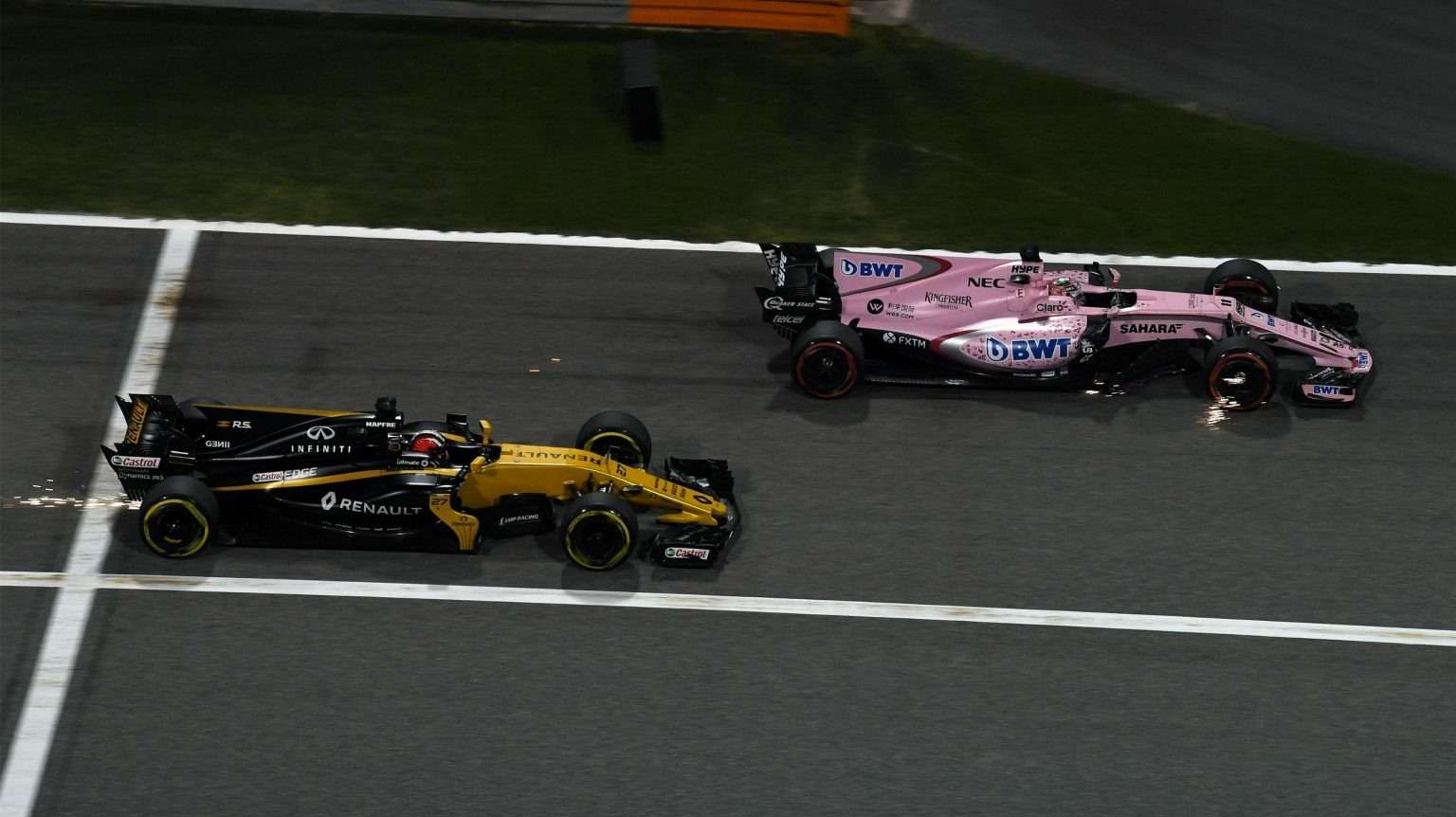Формула 1, Гран-при Бахрейна, Себастьян Феттель, Льюис Хэмилтон, Ferrari, Mercedes