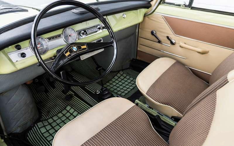 Почему уэтого BMW нет решетки радиатора
