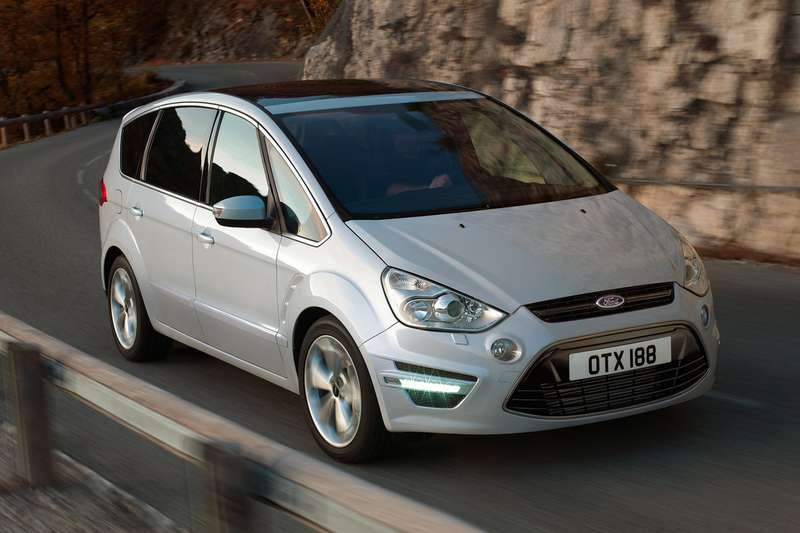 Ford S-Max side-front view_no_copyright