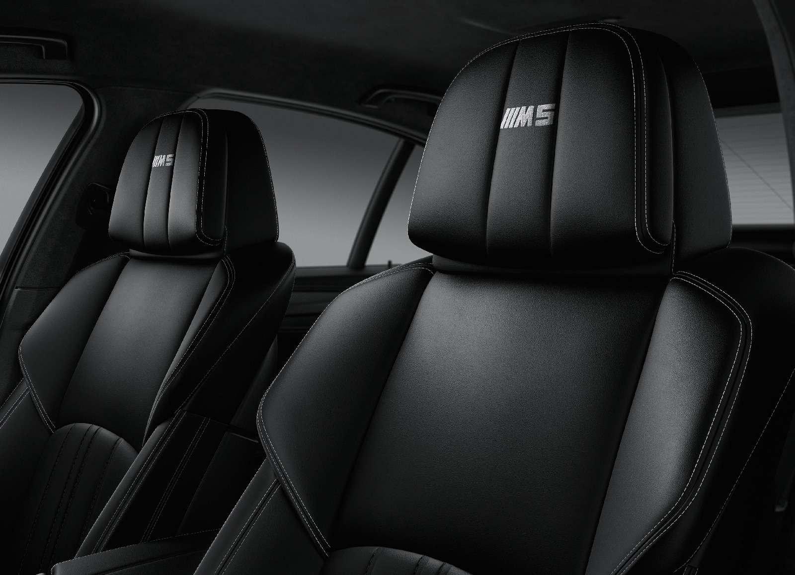 BMWM5не прощается, ноговорит досвидания— фото 611087