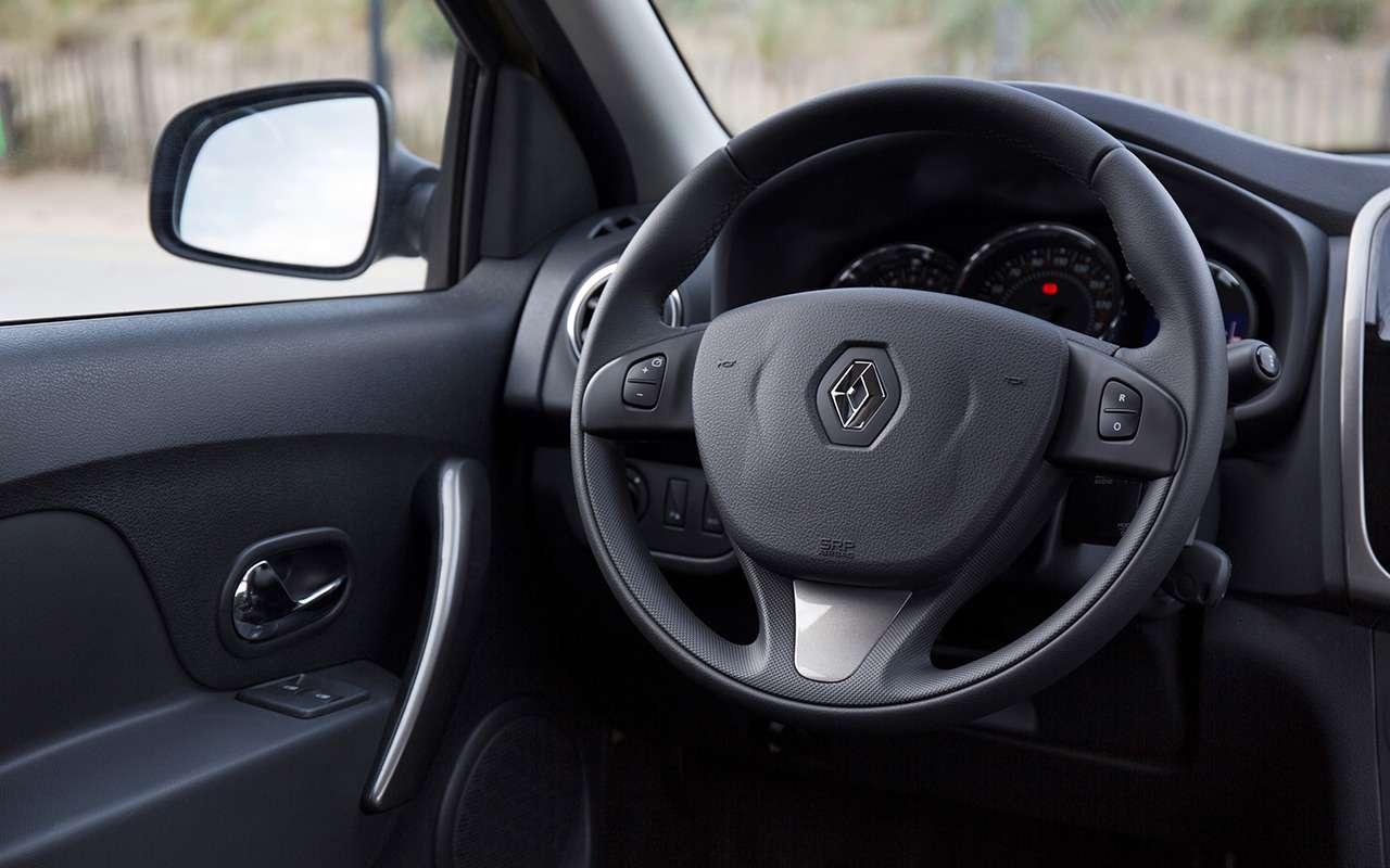 «Нафаршированный» Renault Sandero Stepway или «пустой» Duster: что выбрать?— фото 890406