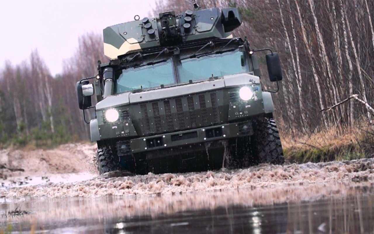 Броневик длядрифта— тест-драйв десантной машины— фото 872975