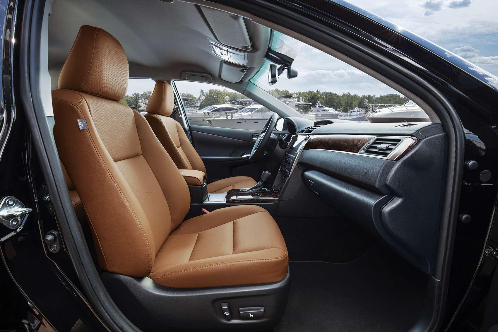 Эксклюзивная наша Камри: Toyota представила седан длягаджетоманов— фото 614337