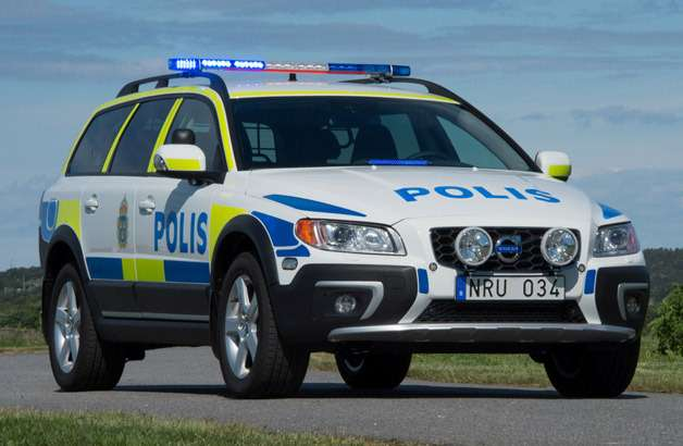 no copyright 2014 volvo xc70 police car
