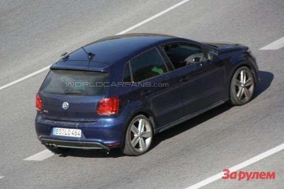 Volkswagen Polo Rmule side-rear view