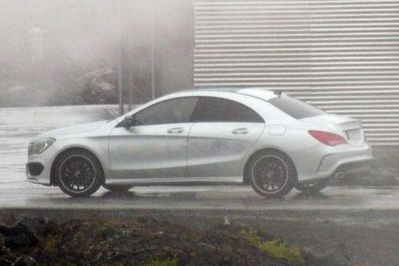 Mercedes-Benz CLA-class side view_no_copyright