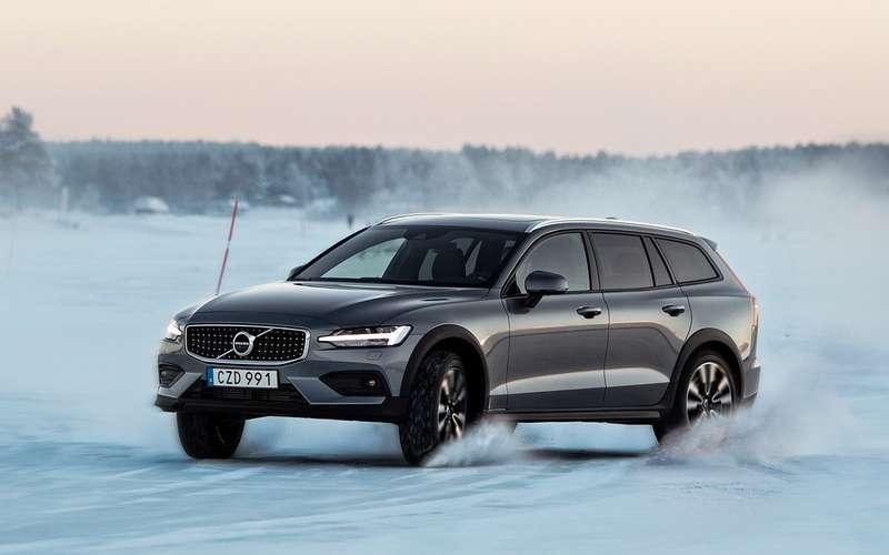 Универсал Volvo V60 Cross Country— тест наснегу ильду