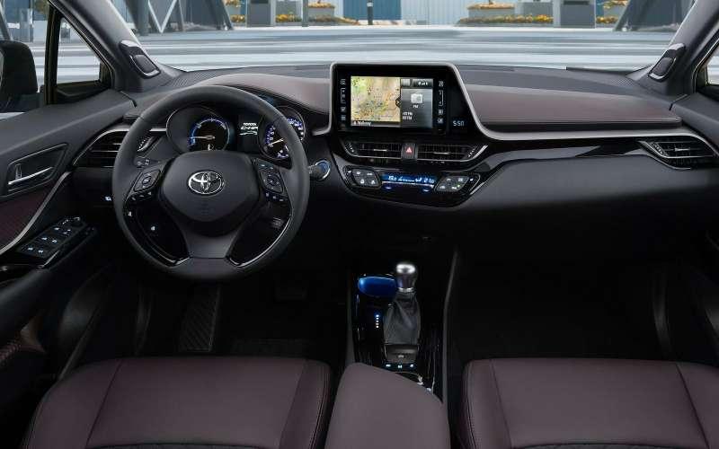 Toyota сертифицировала вРоссии кроссовер C-HR