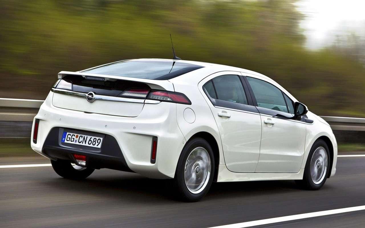 7 самых красивых и7самых нелепых моделей Opel— фото 960577