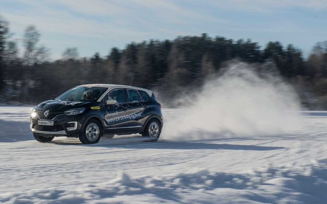 Карельский дрифт: кроссоверы Renault нальду Ладожского озера— фото 856385