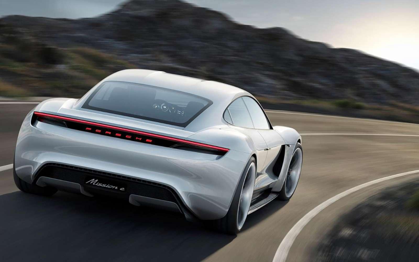 Porsche рассказала освоем первом вистории электромобиле— фото 891491
