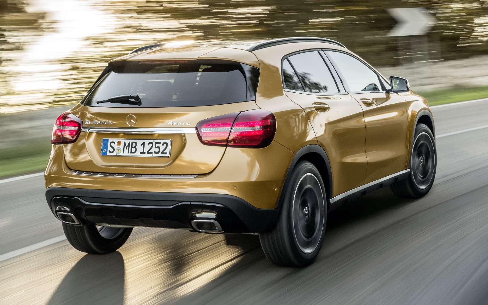 Mercedes-Benz GLA стал краше, нонепросторнее— фото 690066