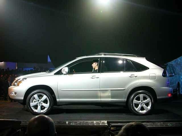 Внедорожники Lexus станут гибридами— фото 39602