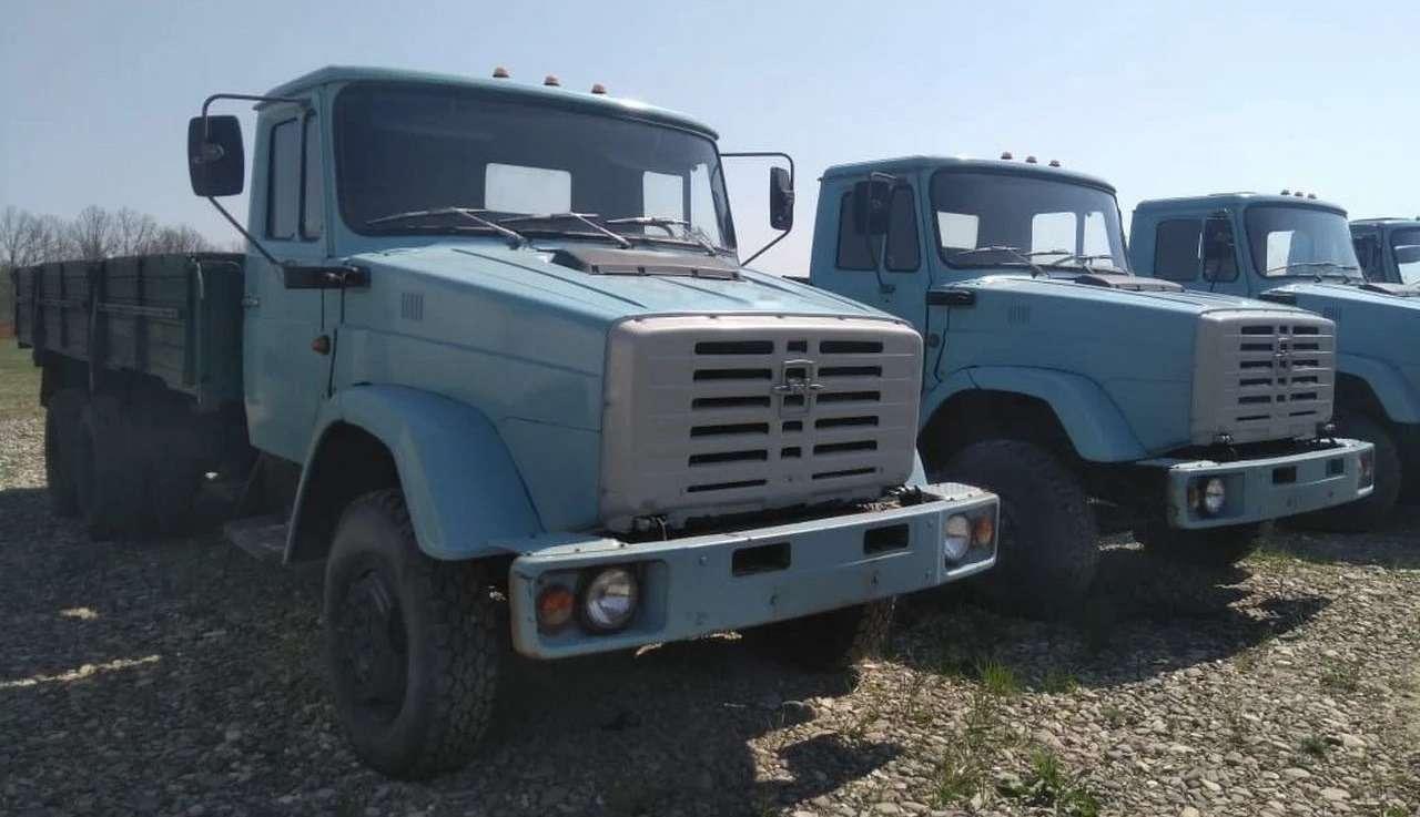 Найдена стоянка сновыми грузовиками ЗИЛ— фото 1236406