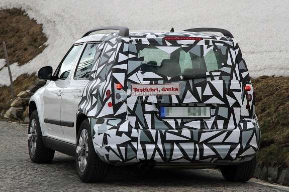 Facelifted Skoda Yeti test prototype side-rear view